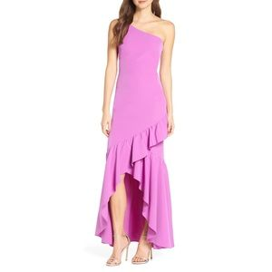 VINCE CAMUTO ONE SHOULDER RUFFLE GOWN 💖IN STORES